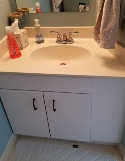 Kids bath vanity