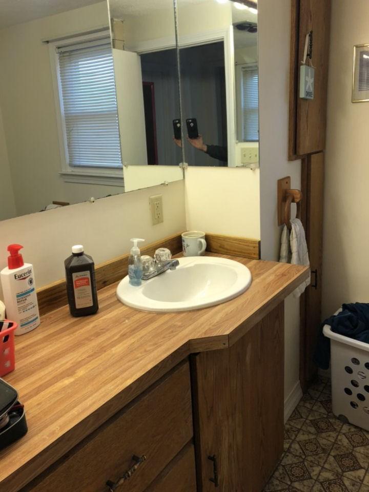 BEFORE Saugus Bathroom Remodel